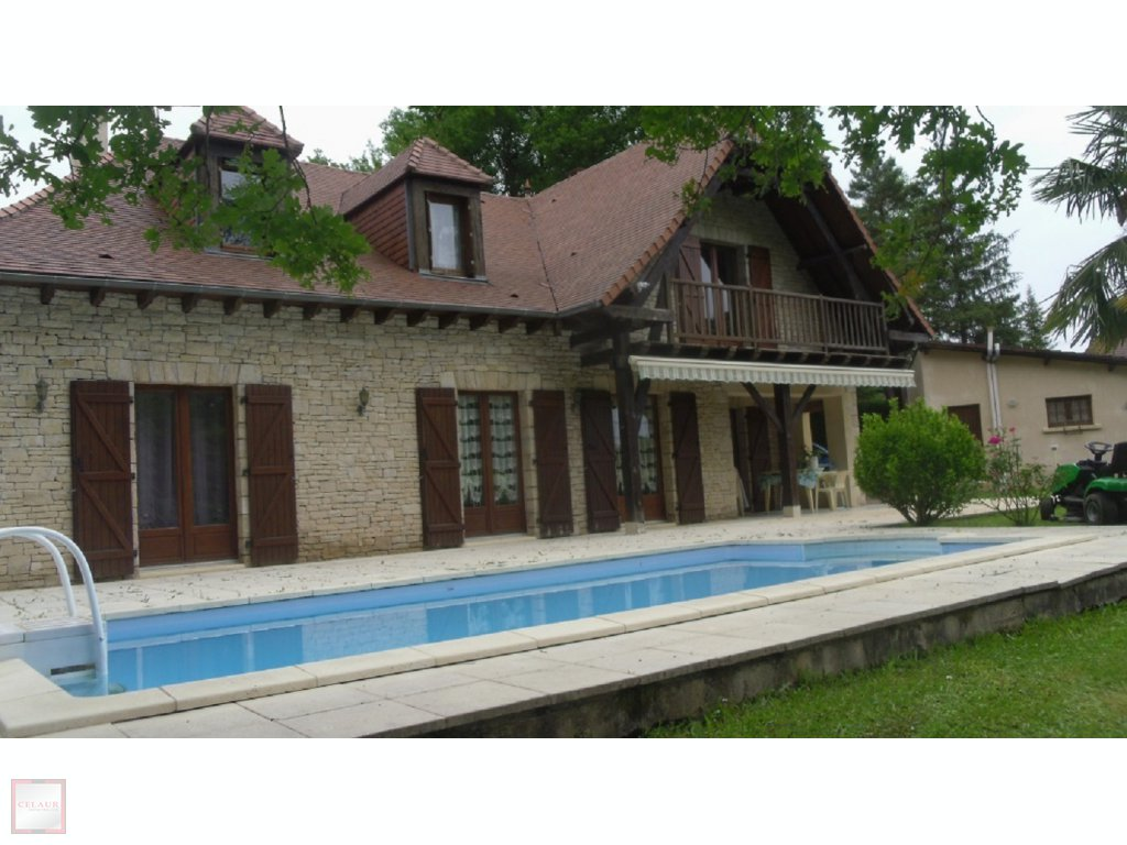 Malemort au calme construction traditionnelle avec piscine celaur immobilier - Prix piscine traditionnelle ...